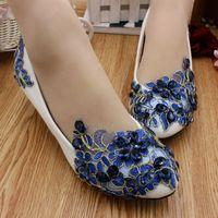 Azul applique flor rendas sapatos mulher 3 cm salto baixo HS070 personalizado med salto alto nupcial applique azul sapatos de casamento mulheres