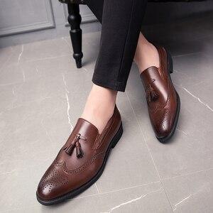 Image 2 - 男性靴のファッションでスタッズリベットローファードレス男性ブローグパーティー除草カジュアルシューズビッグサイズ 48 l4