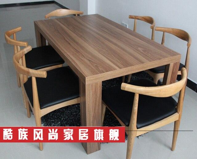 Eetkamer meubelen houten eettafel stoel hoorns mode creatieve