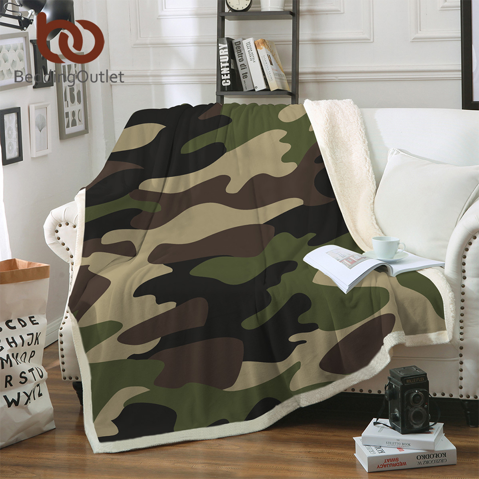 BeddingOutlet Camo Fleece Throw Blanket Brown Green Camouflage Sherpa Blanket Soft Warm Camping Blanket Luxury Gifts for Boys