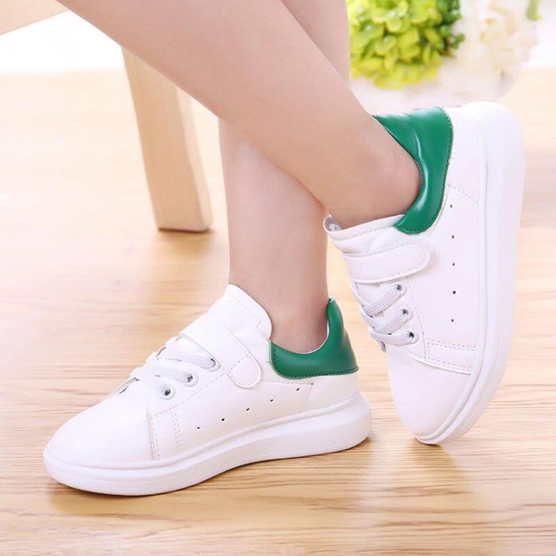 4198ed8594 De los nuevos niños Coreanos Zapatos Casuales Zapatos Transpirables  Zapatillas Blancas Para Niños Y Niñas en Zapatillas deportivas de Madre y niños  en ...