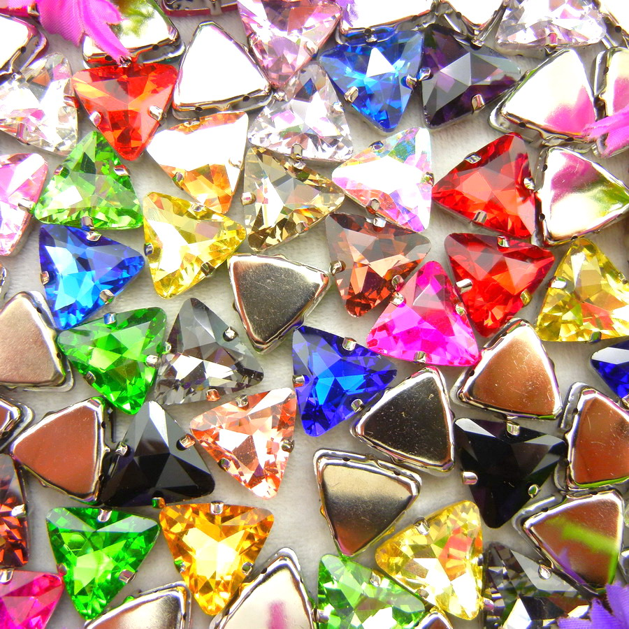 Garra plateada de cristal para coser, 18mm, 10 Uds., colores bonitos, forma triangular, cuentas de diamantes de imitación, decoración de ropa, bricolaje