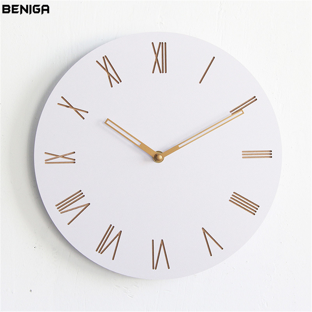 Minimalist Modern Roman Numerals Wall Clock Vogue European Luxury Graceful Round Silently Quartz Needle Wall Clock for Decor