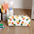 Envío de La Manera de LA PU Bolsas de Cosméticos de Maquillaje Bolsas de Almacenamiento de Bolsas de Lavado de Color Blanco Con Piña GZJ001