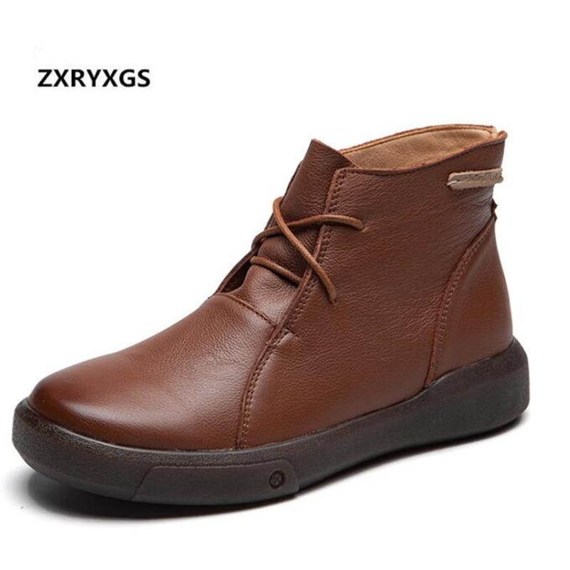 Elegancki komfort pojedyncze buty damskie buty w stylu casual 2019 nowe miękkie skóry wołowej skórzane buty kobieta trampki zimowe ciepłe buty na śnieg płaskie w Buty do kostki od Buty na  Grupa 1
