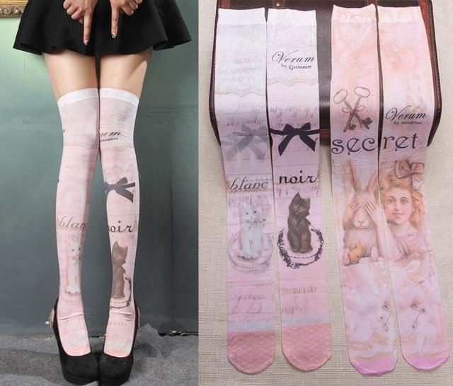 Princesa meias lolita doce Grimoire gato cor de rosa do vintage ou Alice e tatuagem de coelho de Veludo impresso meias sobre o joelho alta