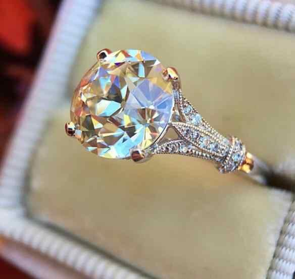ออกแบบใหม่ผู้หญิงแหวนแฟชั่น Silver gold งานแต่งงานคริสตัลแหวนหมั้นสำหรับสุภาพสตรี