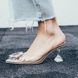 Image 5 - Meifeini 2019 여름 새로운 투명 여성 샌들 패션 우아한 젤리 스틸 신발 지적 라인 석 하이힐