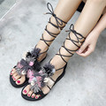 2017 Franja Cruz Amarrado Gladiadores Sandália Mulheres Sapatos Casuais Mulheres Sapatos de Verão Planas Casuais Sandálias Das Mulheres