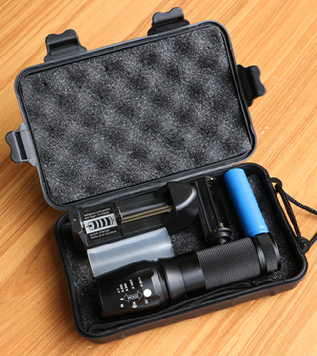 New Powerful X800 LED Flashligh CREE XM-L2 8000 Lumens LED Torch Zoomable Flashlight LED Lamp + Battery +Charger G700 Flashlight newest usb 8000 lumens flashlight led cree xm t6 l2 front torch bicycle light lamp with usb charger bike clip