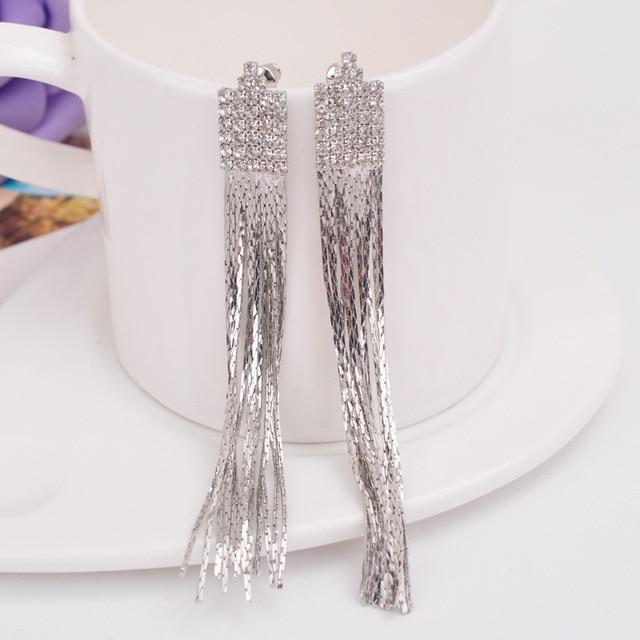 Женские длинные серьги клипсы с кисточками стразы мягкие для