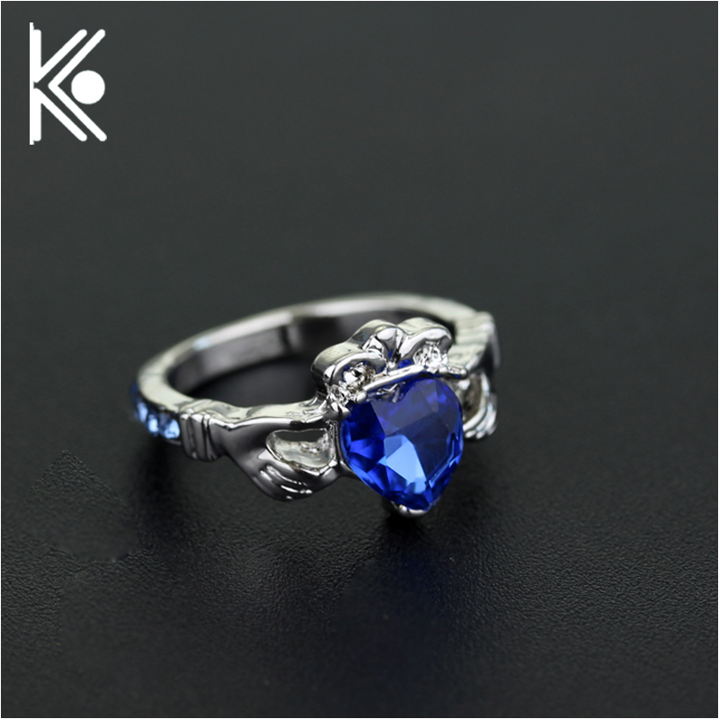 Kingdom Hearts ring Two hands holding heart love rings jewelry For Women gift Engagement Fashion Jewelry Blue crystal jewelry