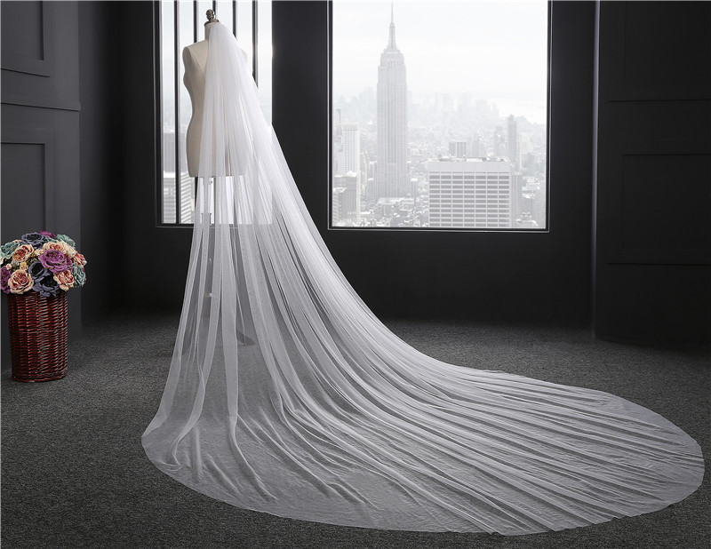 2018 Elegant Woman Wedding Veil 300 CM Longth Soft Bridal Veils With Comb One Layer Ivory White Bride Wedding Accessories