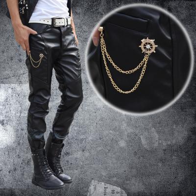 2015 jóvenes hombres casual pantalones de cuero de imitación para hombres  pantalones cremallera Slim Cachemira cálido multi bolsillos para hombre  Pantalones ... 927aa3e6e51d