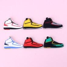 Keychain New Exotic Mini Jordan 2 Retro Shoe Key Chain Men and Women Kids Gift Keyring Basketball Sneaker Holder Porte Clef