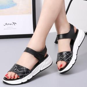 Image 5 - Vrouwen Platform sandalen schoenen Echt Lederen dames wit Flats Sneakers Sandalen schoen 2018 zomer open teen Mode schoenen