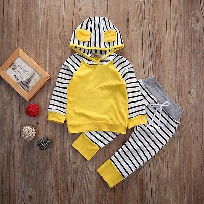 Màu vàng Dài tay Bé Trai Và Cô Gái Đội Mũ Trùm Đầu Áo Khoác Quần Sọc Thời Trang Hai-mảnh Phù Hợp Với