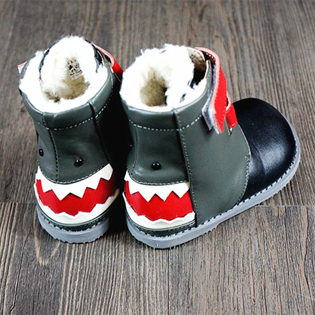 Cartoon shark Lambs wool Baby Girls boots Genuine Leather baby shoes winter  Non-slip warm d2d246a2b6a7