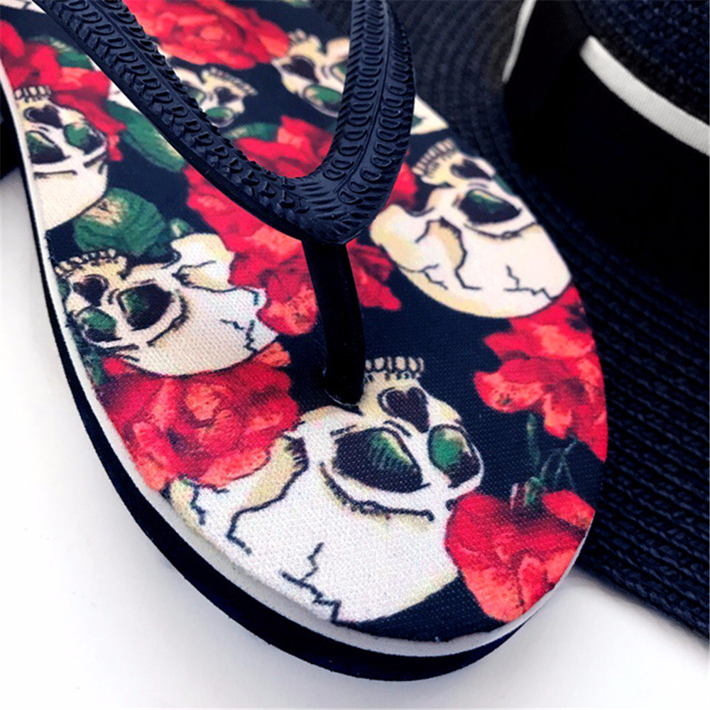 Forudesigns Soft Rubber Slippers Dragon Ball Print Anime Style Men Summer Flip Flops Light Weight Beach Water Sandals For Male Shoes Men's Shoes
