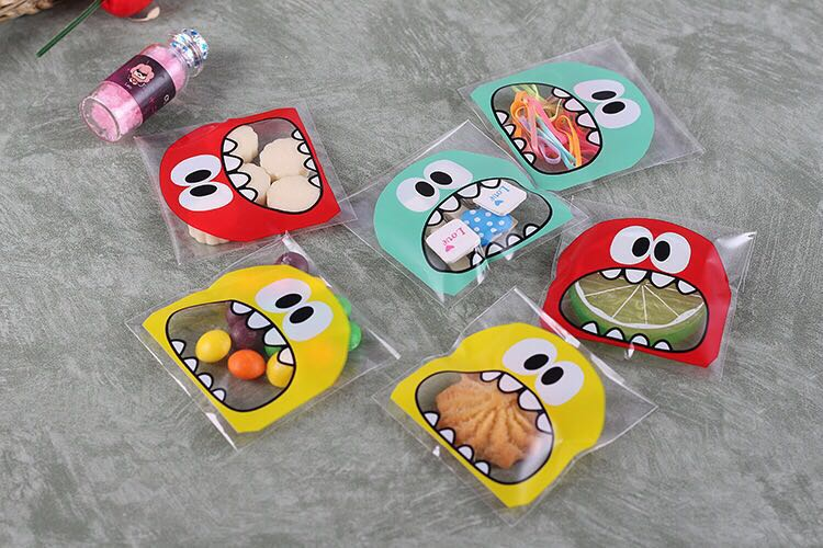 Emerra 50Pcs Cute Big Teech Mouth Monster  Small Biscuit Self-sealing Bag Hand-made Soap Packaging Self-adhesive 7*7+3