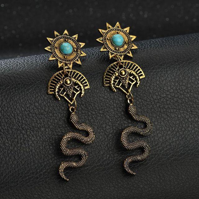 Terreau Kathy 2018 New Fashion Carved Flower Stud Earrings Vintage Gold Silver  Color Statement Snake Earrings for Women jewelry b0c73fbfc25f