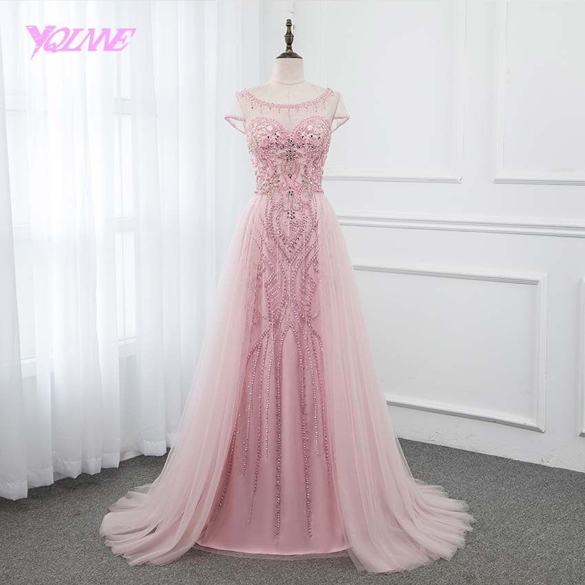 YQLNNE 2019 Pink Crystals Long   Prom     Dresses   Boat Neck Tulle Cap Sleeve Formal Gown