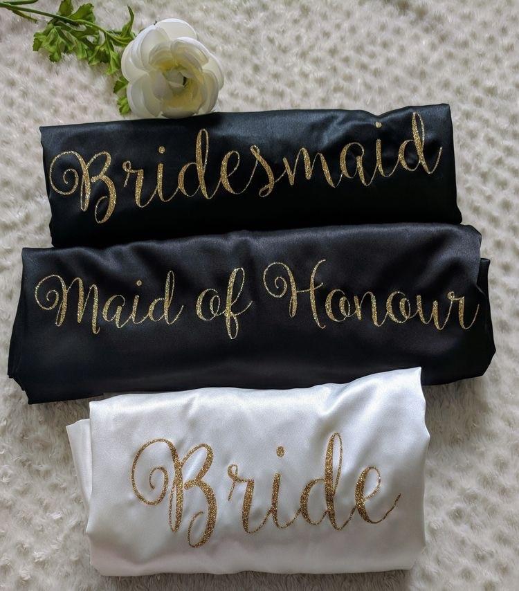 7pcs lot 15colors custom glitter logo Sleepwear silk bridal robe bride be to party personalized satin robes bridesmaid gift-في هدايا الحفلات من المنزل والحديقة على  مجموعة 1