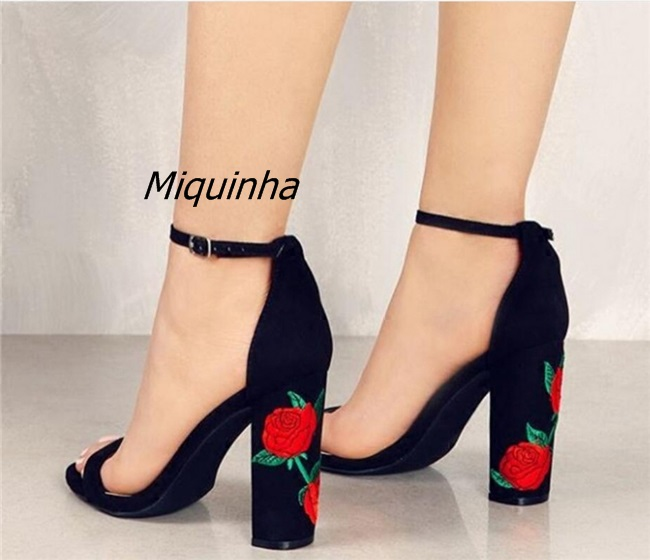 Fashion Buckle Style Black Suede High Heels Classy Floral Embroidered Chunky Heel Dress Sandals Women Open Toe Block Heel Shoes