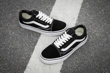 VANS OLD SKOOL Classic Womens Sneakers shoes,canvas shoes,Sports shoes black Weight lifting shoes Free Shipping size 36-39(China)