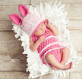 2PCS 2016 New Lovely Handmade Crochet Newborn Baby Photography Props Toddler Baby The Rabbit Condole Belt Hat