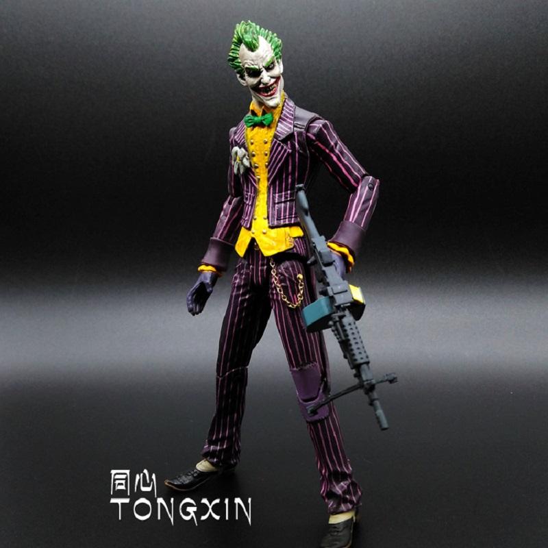 New arrive 17cm  Batman Arkham Asylum The Joker PVC Action Figure Colletible Model Toy  Movable joint collectibles gift giving the asylum