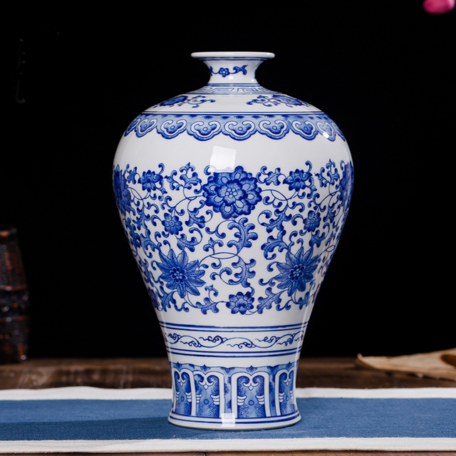 Traditional Chinese Style Prunus Vase Shape Antique Blue And White