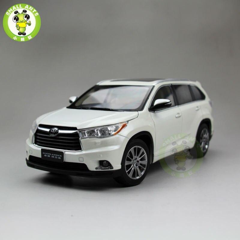 1:18 Toyota Highlander 2015 Diecast SUV Car Model White Color