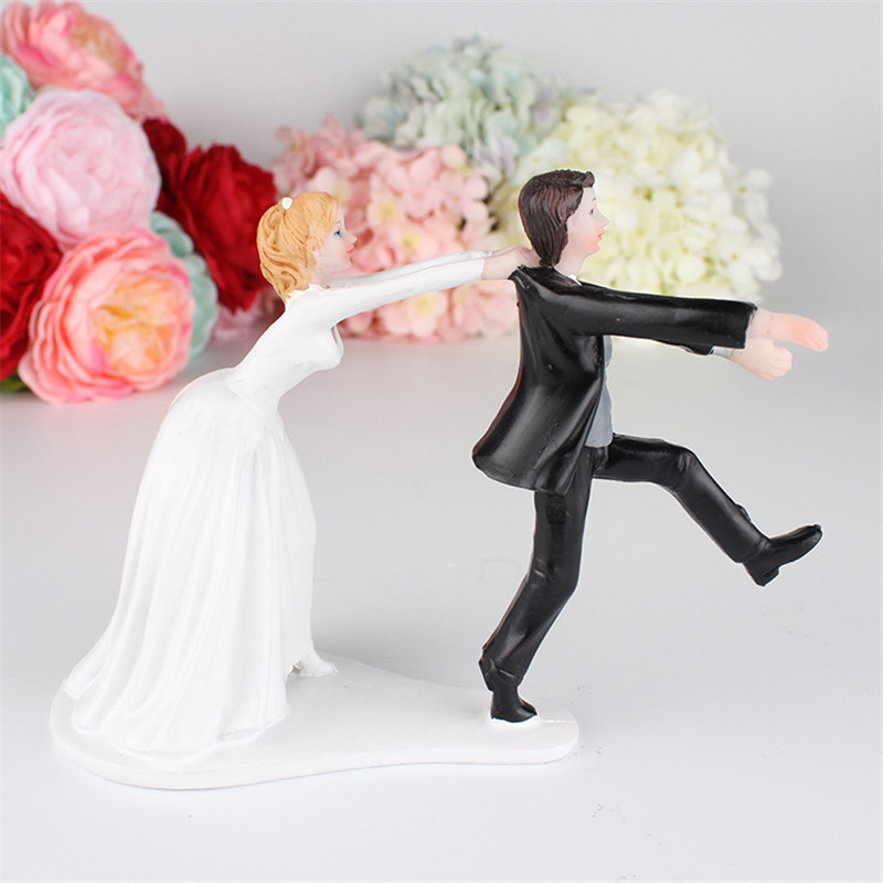 Romantic Groom Bride Marry Resin Figurine Wedding Cake Topper Elegant Wedding Cake Decoration Topper High quality