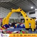 Ciervos arco de entrada inflable, inflable jirafa del arco para el parque de atracciones/zoo arco puerta puerta BG-A0750-2 juguete