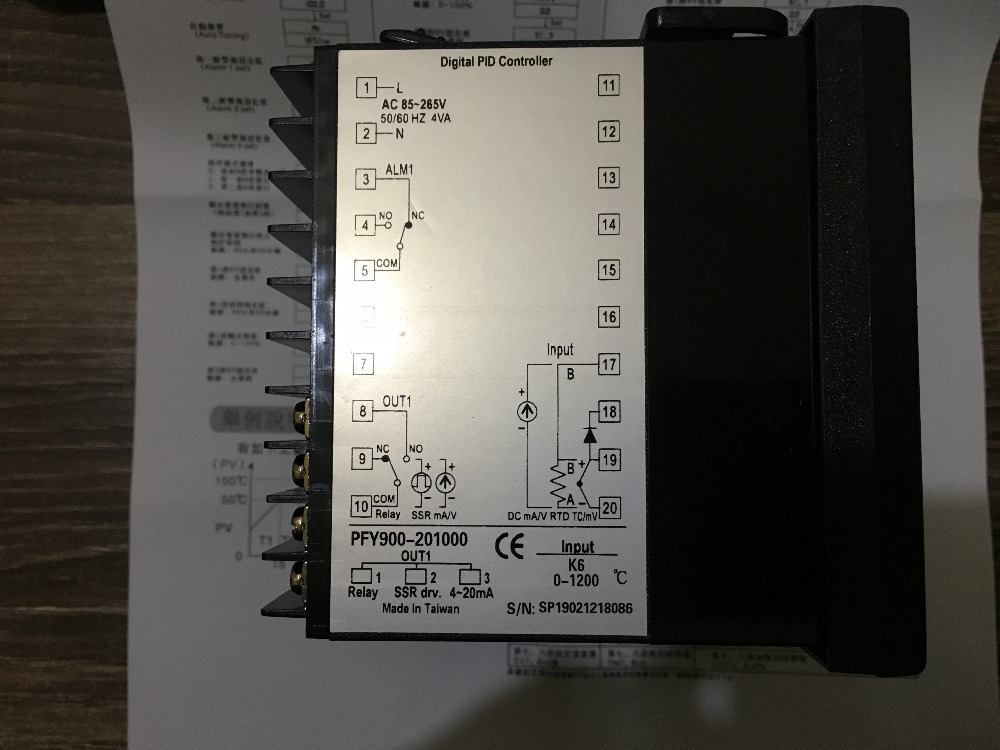new original TAIE thermostat PFY900 temperature control table  PFY900-201000new original TAIE thermostat PFY900 temperature control table  PFY900-201000