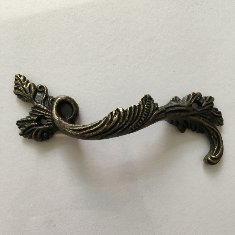 Leaves Striped Carved Handle, Kitchen Handle ,Cabinet Drawer Handle ,Door Knobs Handle Bronze Tone,1PC two tone striped v neck tee