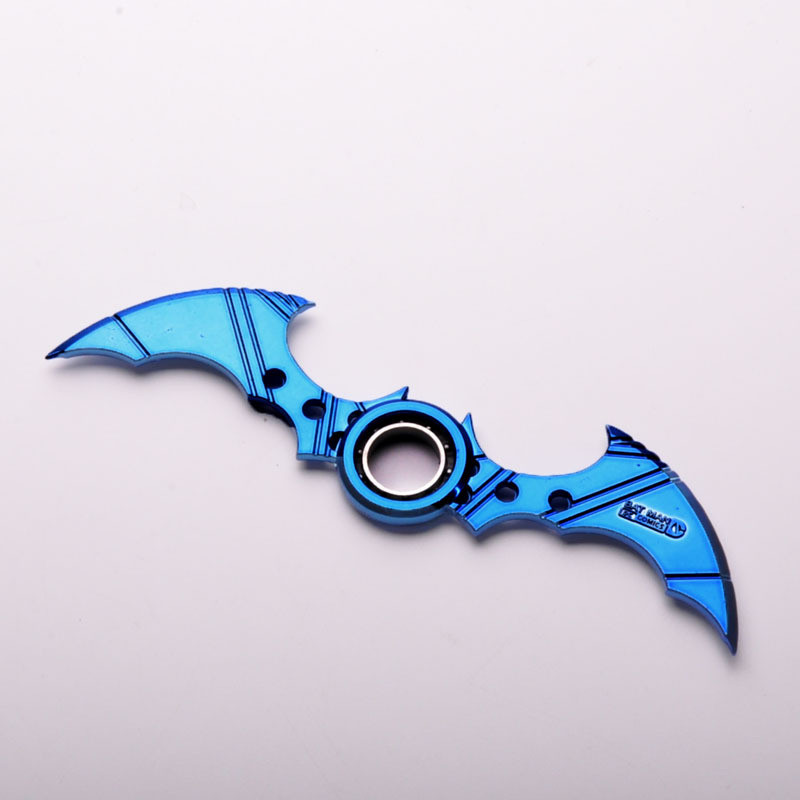 16CM NECA Cartoon Comics Super hero Batman Weapon Boomerang Arkham Knight Batarang Replica Action Figure Collectible Model Toy batman detective comics volume 9 gordon at war