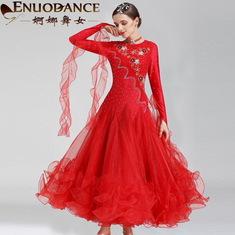 Danse danseuse gracieuse nouvelle robe valse