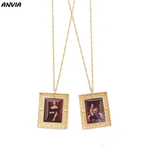 цена New Art Picture Pendent Necklace Women Oil Painting Charm Alloy Lady Portrait Vintage Handmade DIY Accessories Statement Gifts в интернет-магазинах