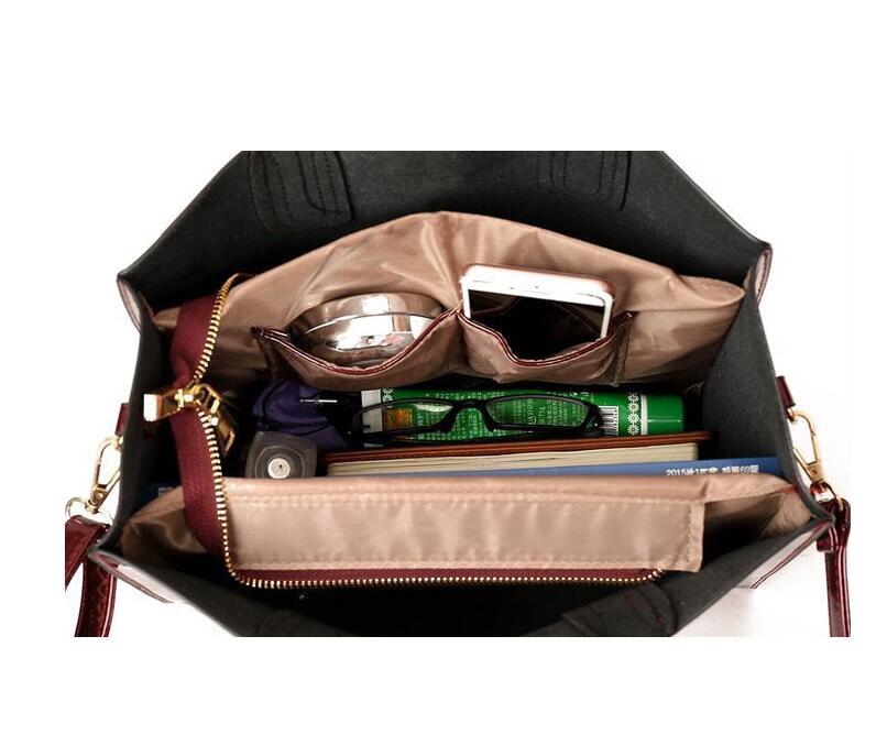 sac à bandoulière en cuir vernis