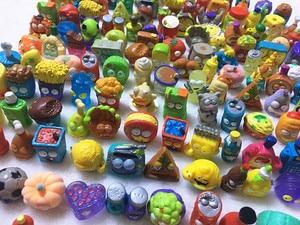 Image 2 - 100 개/몫 인기 만화 애니메이션 액션 피규어 장난감 뜨거운 쓰레기 인형 grossery 갱 모델 장난감 인형 어린이 크리스마스 선물