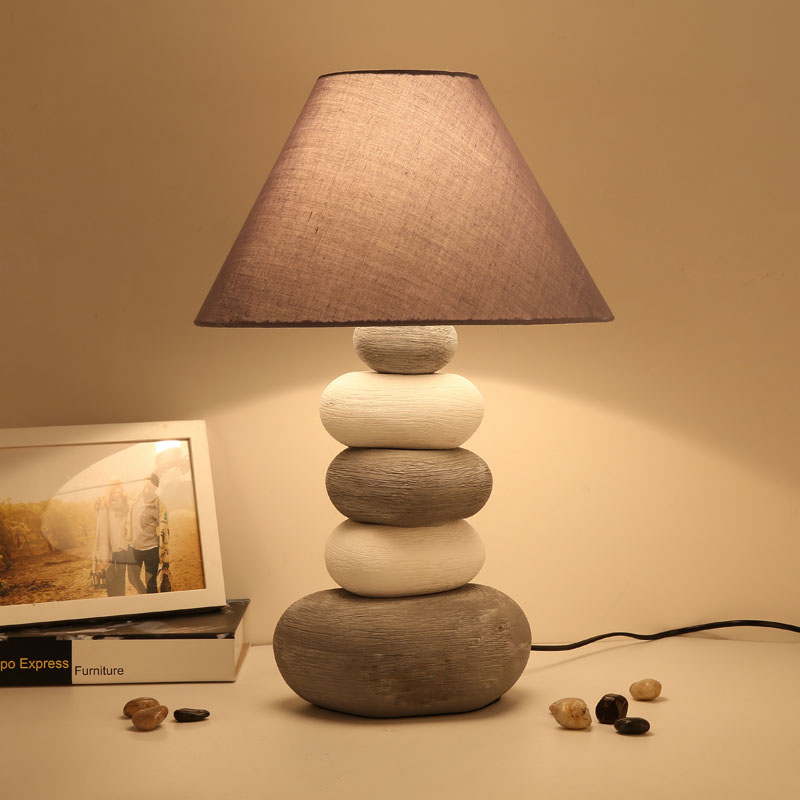 Ceramic Table Lamp Retro Fashion Bedside Bedroom Lamp Reading Lights Decorative Desk Light Table Lamps for Living Room