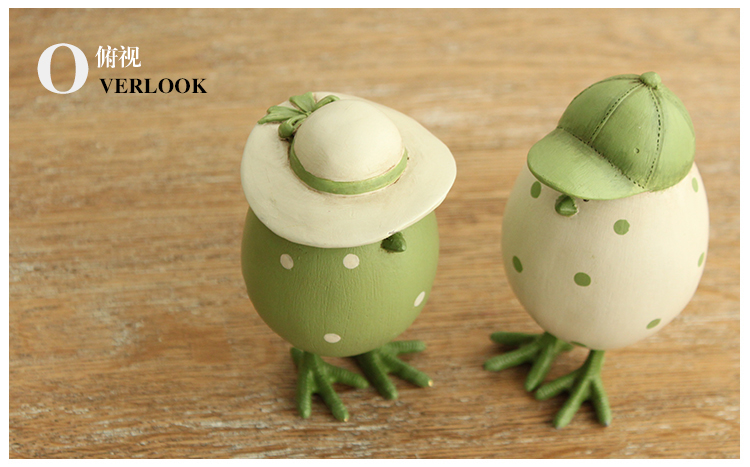 Home fashion rustic cartoon resin home accessories small decoration hooded eggs