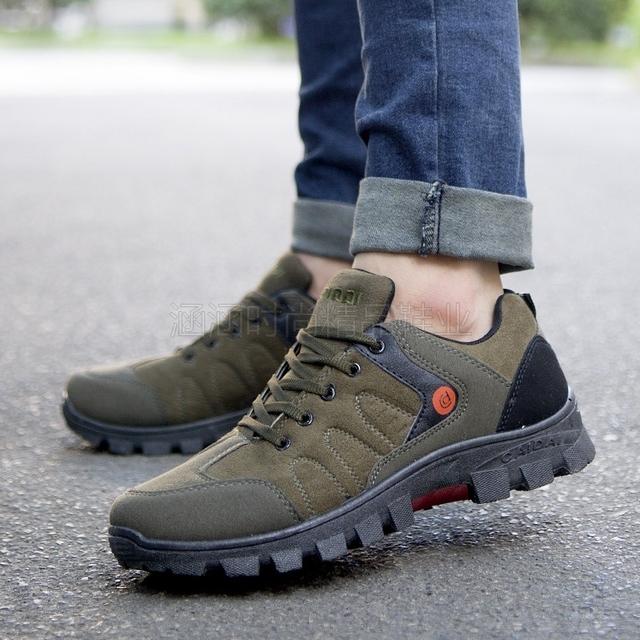 2018 New Men Hiking Shoes Nubuck Climbing Shoes Waterproof Outdoor Trekking Shoes Genuine Leather Mountain Shoes Sneakers