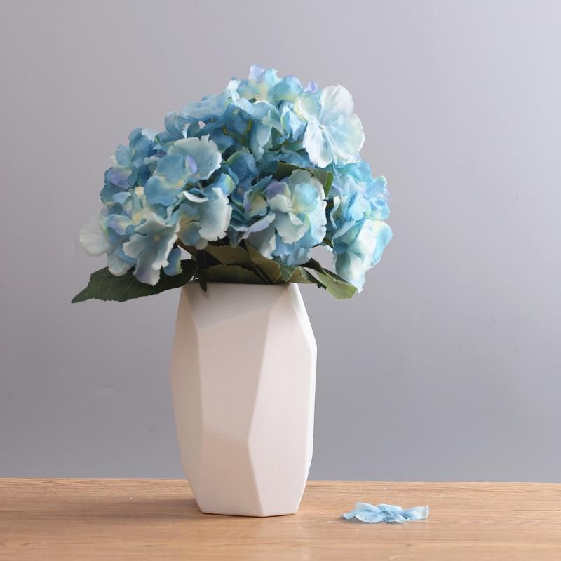 Nordic Modern Fashion Ceramic Flower Vase Geometric Ceramic Vase Tabletop White Ceramic Vase For