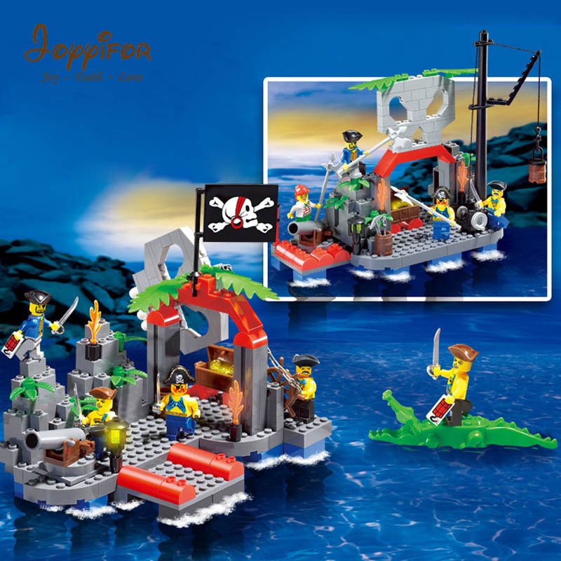 Joyyifor 206PCS Pirate series Crocodile Lifeboat Pirate base Fence LegoINGlys Building Blocks Toys Best Gift To Children