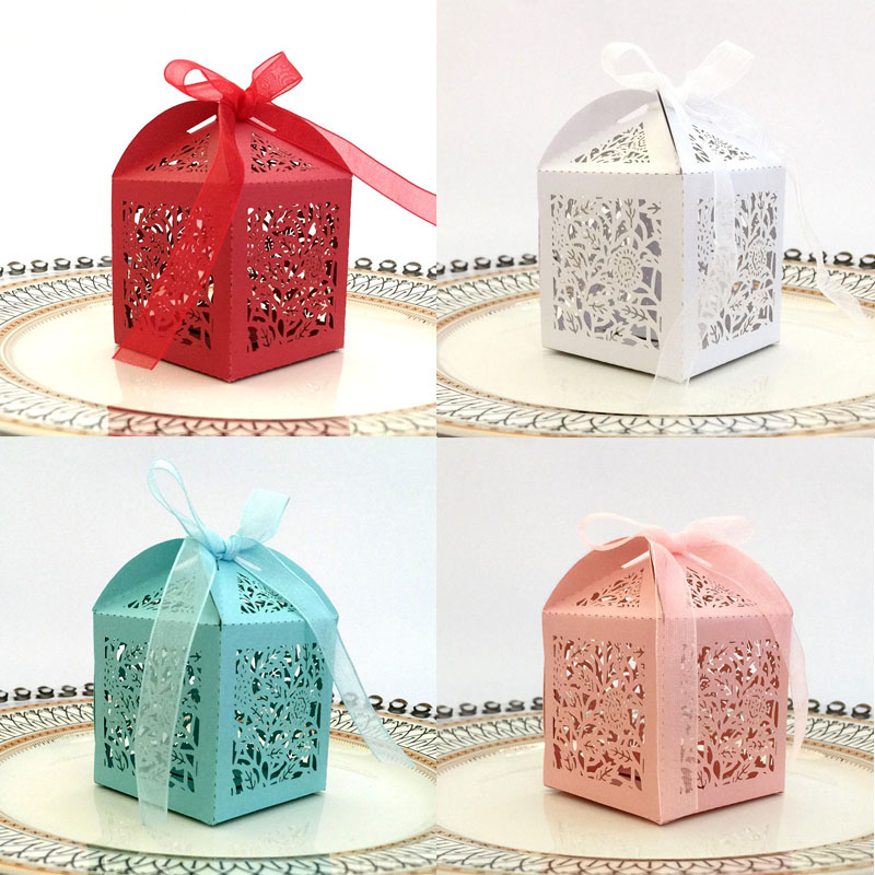 50pcs Laser Cut Hollow Rose Flower Carriage Favor Gifts Candy Boxes With Ribbon Custom Baby Shower Wedding Party Favor Supplies