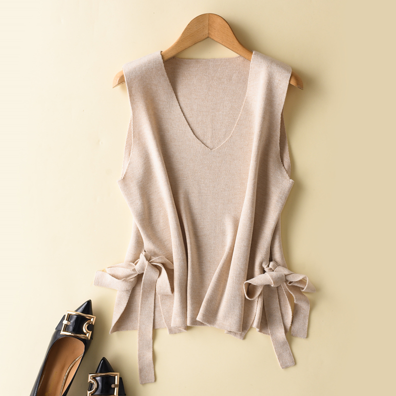New Knitted Waistcoat Spring And Autumn Short V collar Korean Version Easy style Sleeveless Sweater Shoulder