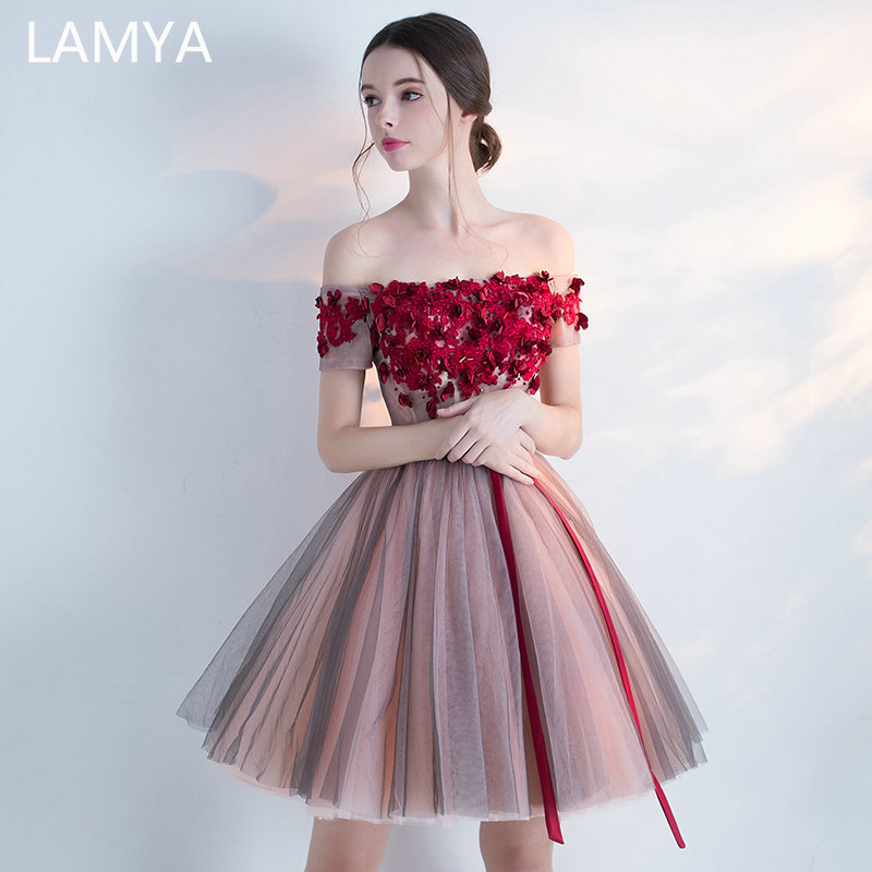 LAMYA Elegant Knee Length A Line Prom Dresses Appluqies Boat Neck Evening Party Dress With Short Sleeve Contrast Color Gown